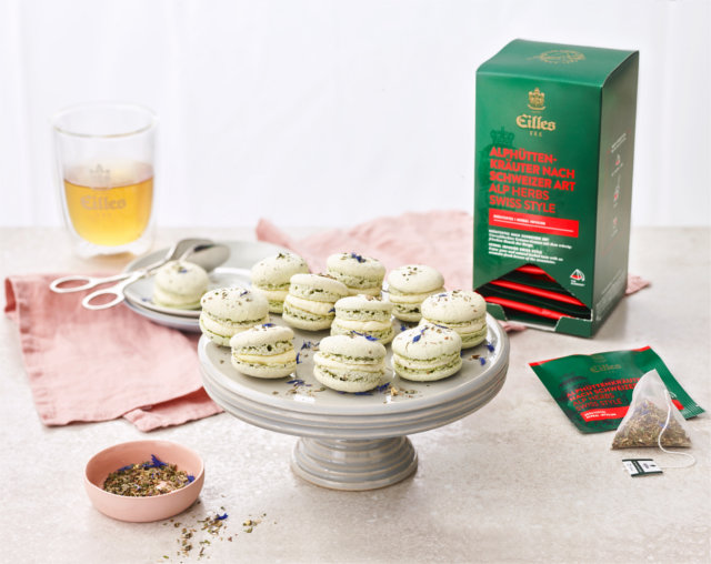 Recipie EILLES TEE Alp Herbs macaroons with goat cream cheese filling